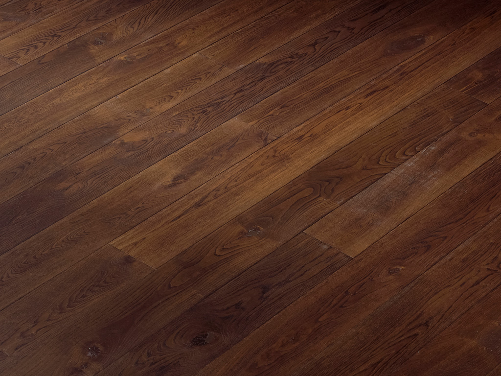 Wide-Plank-Oak-Flooring-Hakwood-Intimate Finish