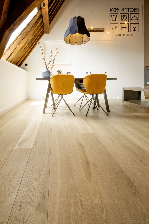 Wide-Plank-Oak-Flooring-Hakwood-Locke Finish -Install 2